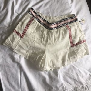 NWT Plus size white shorts with tribal details